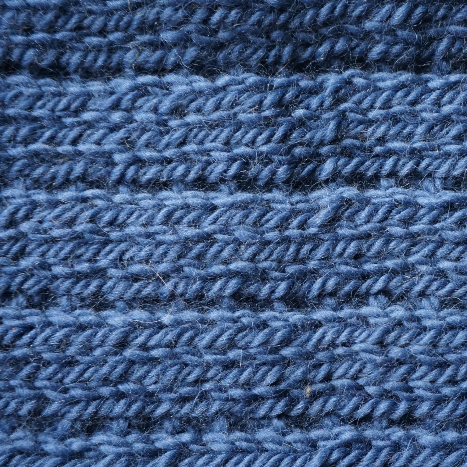 C est toi le tricot charlie les yeux bleus - Point fantaisie tricot phildar ...